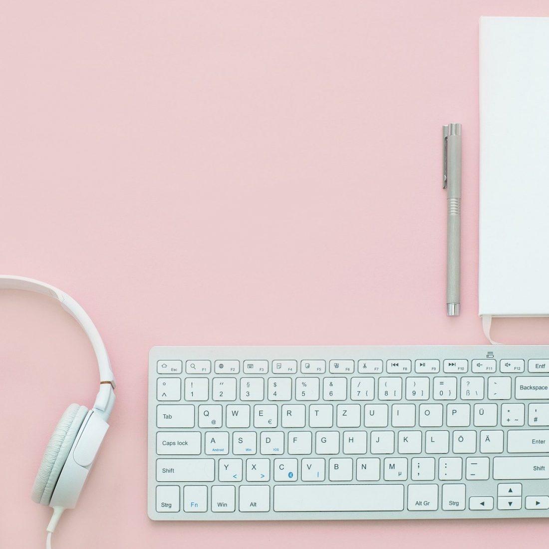 Freelance content creator, schrijven en redigeren van teksten , online, social media advies, foto styling